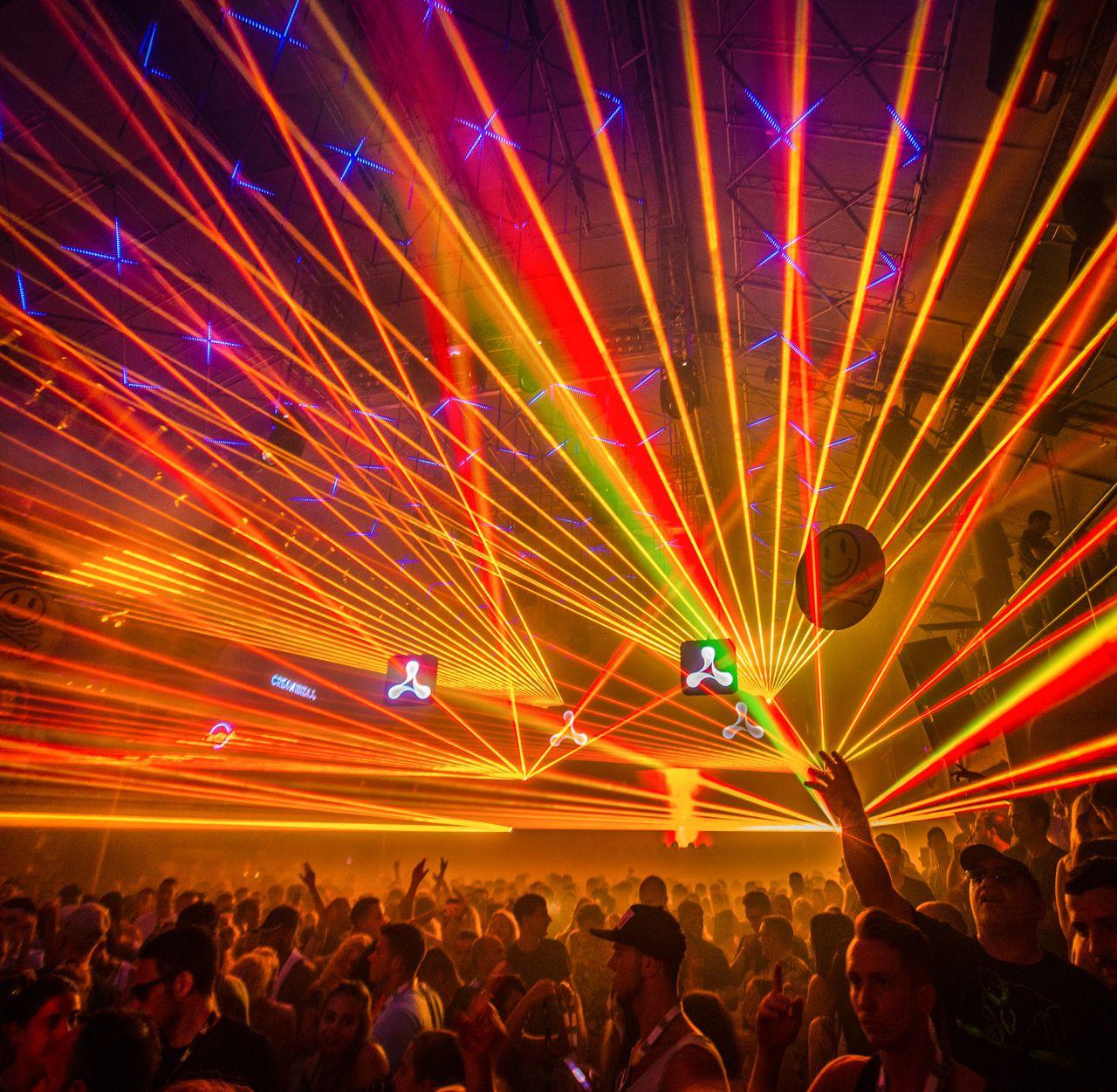Feiern bis in den frühen Morgen im Amnesia in Ibiza-Stadt
