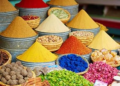 Marokko bunte Gewürze
