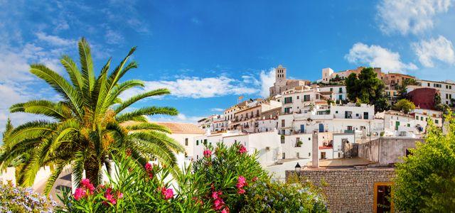 Ibiza Urlaub für junge Leute Hotels Pauschalreise Panorama of Ibiza