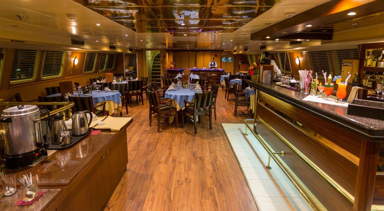 Seychellen Kreuzfahrt Bar Restaurant